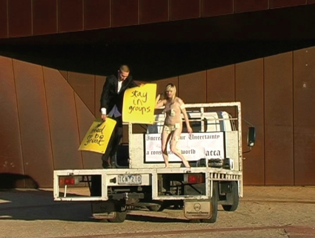 Truck Dance 2007, performance on a flat-bed truck (various locations, Melbourne)