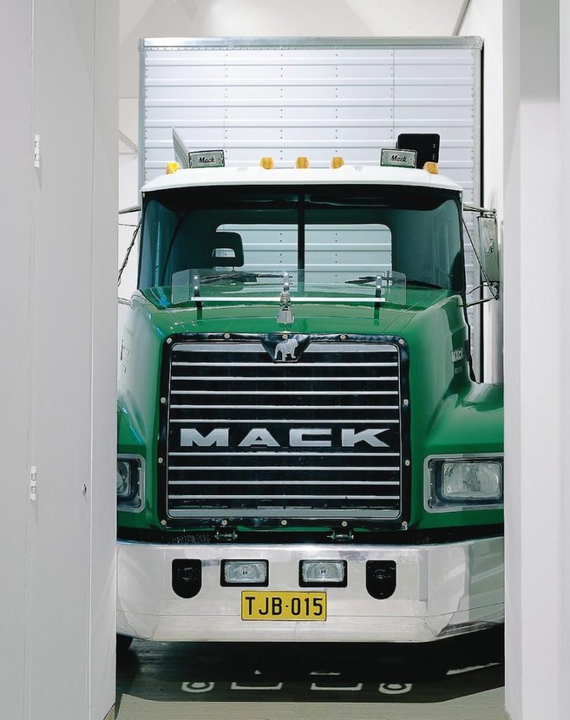 Mack Truck web